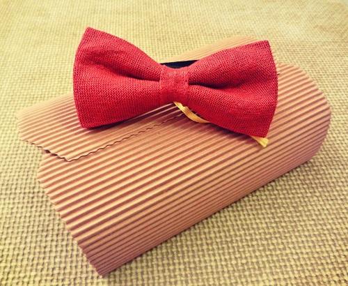 Rosso con riflessi Argento