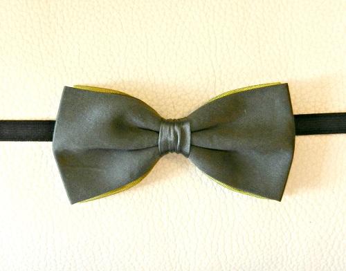 papillon-raso-verde-olivastro-fondo-seta-verde-chiaro-pezzi-unici